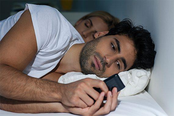 PODSŁUCH DO TELEFONU – CZY DZIAŁA ZA GRANICĄ? I INNE OGRANICZENIA